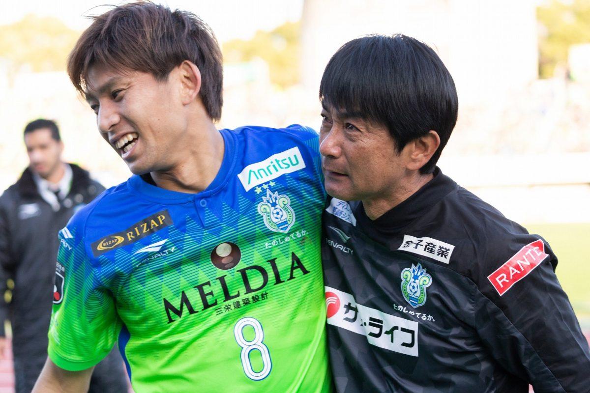 湘南】J1残留決定、浮嶋敏監督の来季続投を発表「攻撃的なチームを作る ...